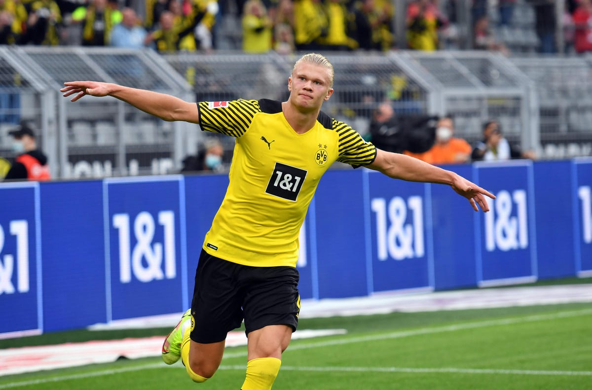sorare-signs-bundesliga:-you-can-buy-haaland's-nft-and-play-him-in-crypto-fantasy-game